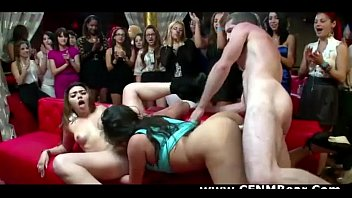 young amateur get 9 public japanese hot in girl nasty Esposa me mira mientras se corre3