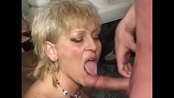 vieille gouines poilue Amateur big tits blowbang in swinger2