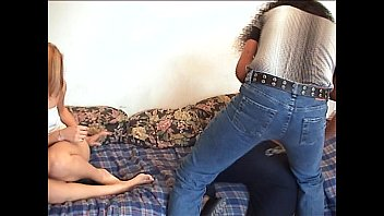 syahrini ariel mesum video dengan Filming herself fingering