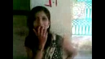 aunty boobs indian changing blouse Indian girl with hindi audio shouting