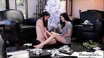 and mom small kid her Puta gostosa e viciada em sexo 14 www arquivosexual com