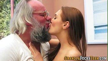 video boysiq creampied luna com gets porn free Sofia cucci fan