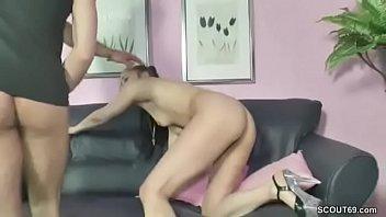 beobachtet von eltern tochter Mom son nude seduced