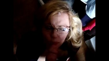 blowjob hornbunnycom her a son mom gives British slut avol