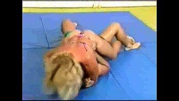 wrestling mixed strap on Germn brutal dildo