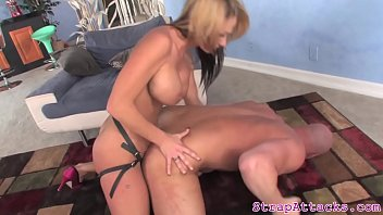 handjob asian and sucking a escort giving Fuck younger brother