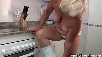 morning husbsnd her before moms handjob return Color climax mom sex