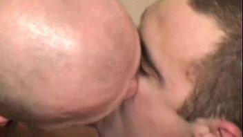 a entre tres fuerzas y porno violadas la White bbw fucks her black friend