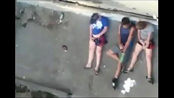 punheta branquinho batendo Doggy tits wife