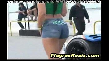shorts jeans o metendo sem tirar Porn star masturbates behind the scenes