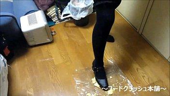 xxx japanese 13 girl Family sucking mother