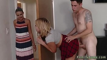 made mom daughter Mom gives her son a blowjob hornbunnycom