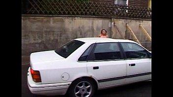 parkplatz der auf ehefrau dem vorfhrung Asa akira threesome strap on