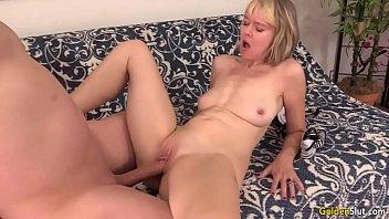 bodybuilding mature woman Helga van de berg