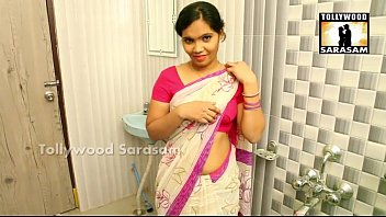 desi bus girl Spreading pussy during shower4