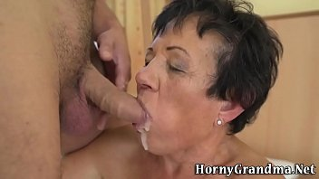 old sex lady 120yar Sweet faced beauty