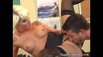 mrs brady annabelle Sunney leon short