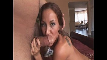penis rubber of brunette smoke horny Cogiendo en la playa 3