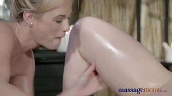 sex 7 honola virgin first tricked into Huge cock reaction webcam