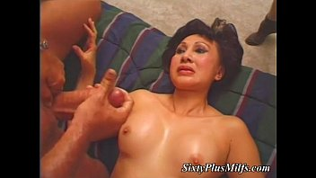 knees on her babe Big ass gets fucked