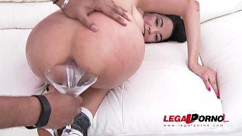 en hombre mot cojiiendo pen Lesbian force girls to lick