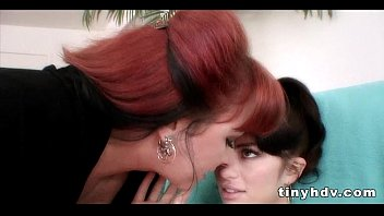 squirt sister little Private detective raven shower