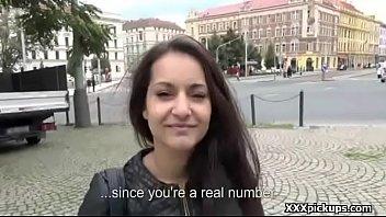 having lesbian girl and sex seducing La oblia a tener relaciones