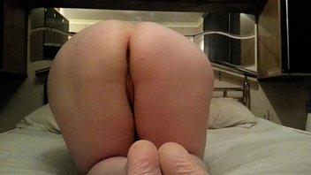 porno horna de video brunella Silver toe nails
