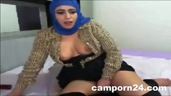 girl arab gangbang Primeira encoxada marcada parte 1