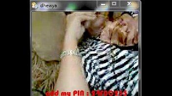 di mesum warnet jilbab indonesia Indian aunty or mom and son sex